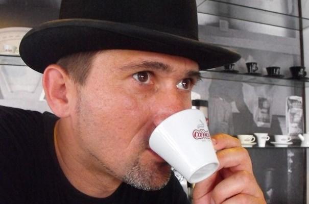 """""""Nekem a kávé a reggel, az este…nekem a kávé a feladat"""""""